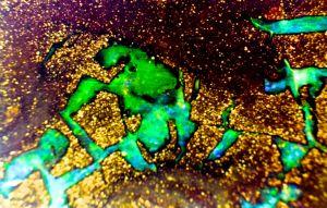 Boulder Opal green veins.jpg