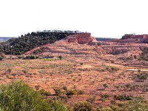 Hayricks Boulder Opal Mine 2014.JPG