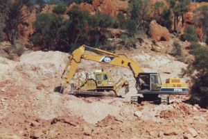 Opal Mining at Hammonds 1.jpg