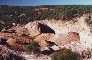 Opal Mining at Hammonds 3.jpg
