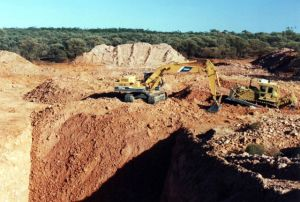 The Gorge boulder opal mine backfilling
