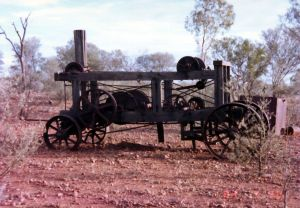 Old Steam engine on the Boulder Opal northern fields .JPG
